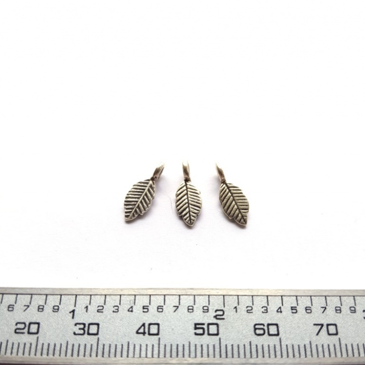 3 pcs x 14mm Thai Hill Tribe Leaf Charms