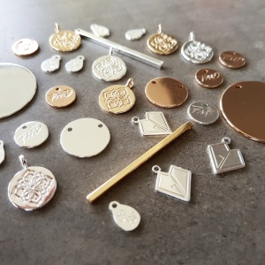 500 pieces Non Tarnish Jewellery Logo Tags
