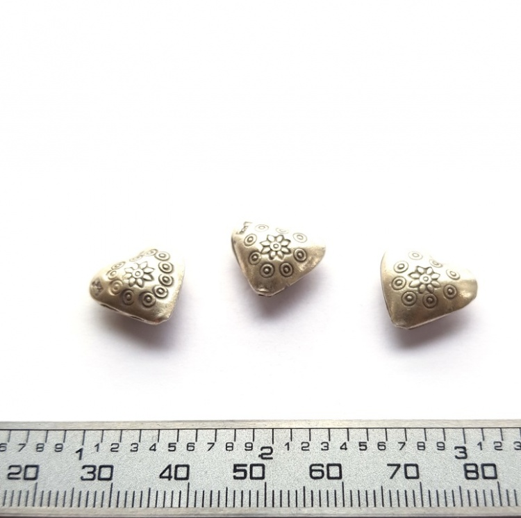 1 x 15mm Thai Hill Tribe Silver Boho Heart Charm Bead